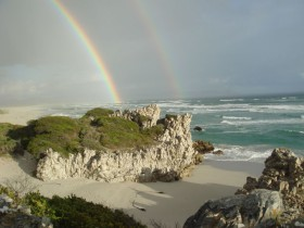 Rainbow-at-Grotto-beach